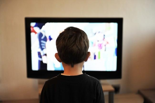 1Kid-in-front-of-TV