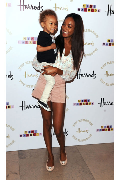 54bbcd3c05b8d_-_hbz-model-moms-jourdan-dunn-getty