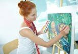 woman-in-adult-education-art-class