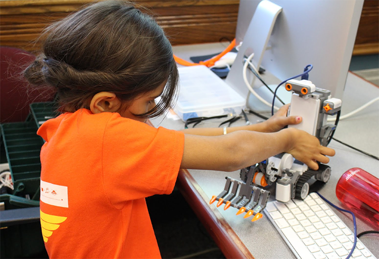 DMA-Univ-of-Chicago-adventures-robotics-camp