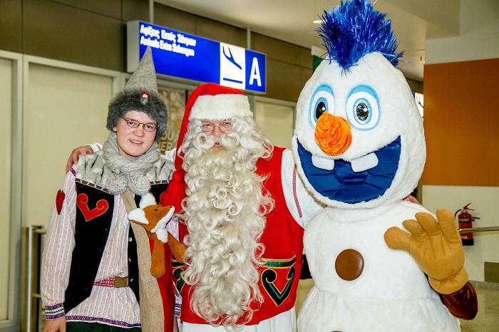 low frodi and santa airport-38