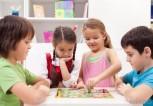 kids-playing-board-games