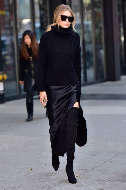 Cozy, chic & sexy με oversized ζιβάγκο για άψογο street style