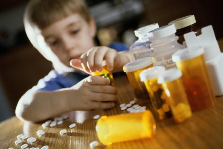 79075940_child-pills-2