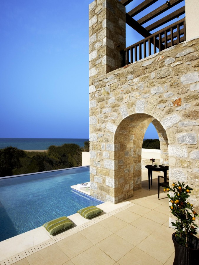 wes3289po-78669-Premium Infinity Suite - Pool