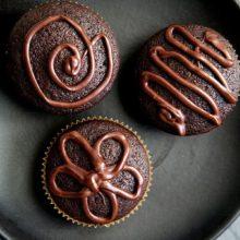 super-easy-super-moist-chocolate-cupcakes-vertical-b-600
