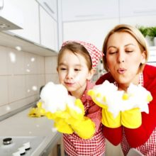 Involve-your-kids-in-cleani