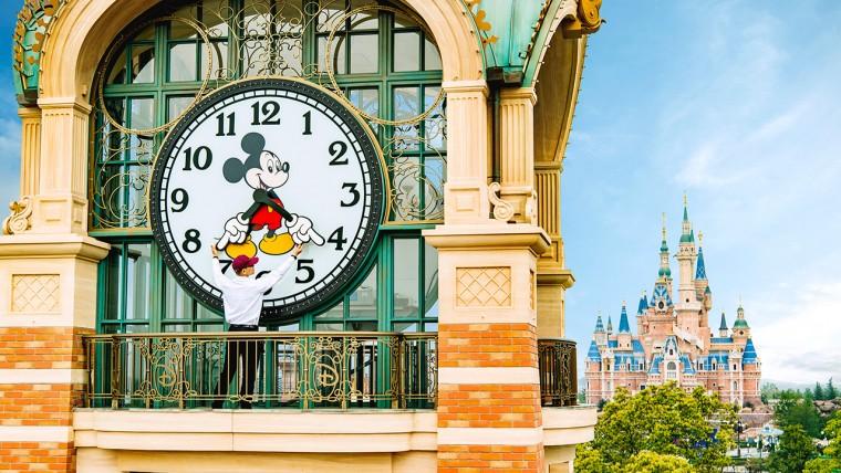 Shanghai-Disneyland-Getting-Ready1280