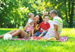 Family-Picnic-Fun-in-the-Park-copy