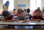 προσφυγόπουλα στα σχολεία