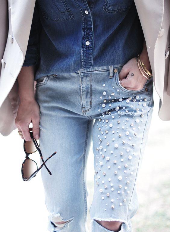 Τα jeans ταιριάζουν πολύ με τις πέρλες!