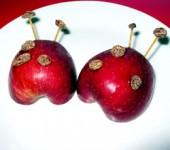 Έξυπνα σνακ για παιδιά-μήλα πασχαλίτσες