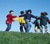Τα παιδιά κατεβάζουν την  πίεση των γονιών
