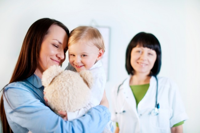 163213354-Mother-and-daughter-with-doctor