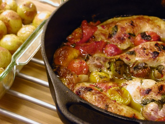 Μπουτάκια κοτόπουλου με πιπεριές