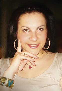 Ευαγγελία Ευσταθίου: δασκάλα, συγγραφέας, μα πάνω απ' όλα μια γυναίκα που όλοι θα θέλαμε να γνωρίσουμε!