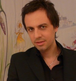 """Ο συγγραφέας και δάσκαλος Γιώργος Κατσέλης συστήνει στο infokids.gr τον """"Τρι το τριγωνάκι"""""""