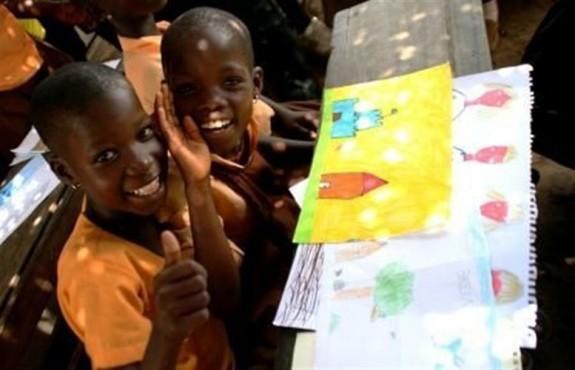 60 Έλληνες έχτισαν με τα χέρια τους σχολικές τάξεις για 200 παιδιά στην Γκάνα