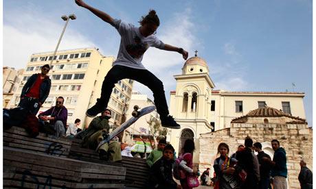 Ρεπορτάζ της The Guardian για τους έφηβους στην Ελλάδα