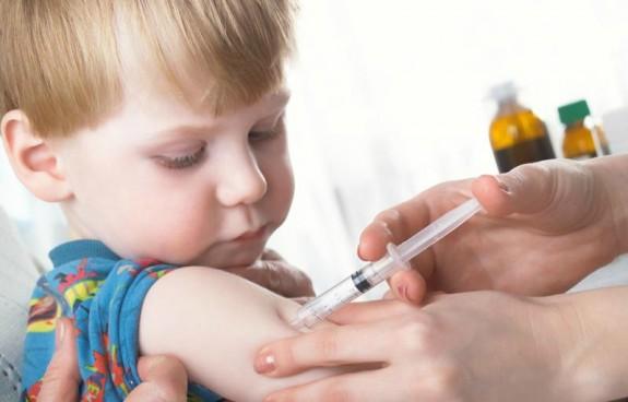 Συνεχίζονται οι δωρεάν εμβολιασμοί παιδιών