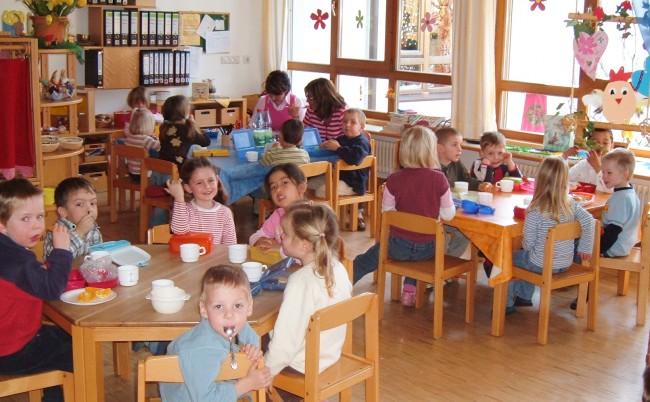 Στον «αέρα» η δωρεάν φιλοξενία 60.000 παιδιών σε παιδικούς σταθμούς