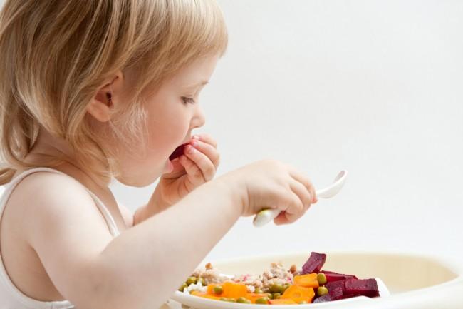 Η διατροφή κατά την παιδική ηλικία κατέχει σημαντική θέση στην ανάπτυξη και στην εξέλιξη της υγείας κατά την ενήλικη ζωή