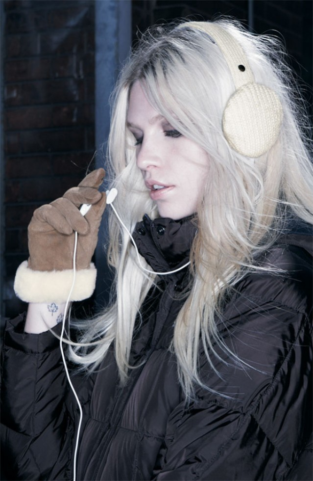 Ακουστικά UGG για ζεστασιά μετά μουσικής