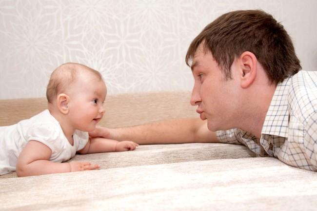 Παθαίνουν και οι μπαμπάδες επιλόχεια κατάθλιψη;