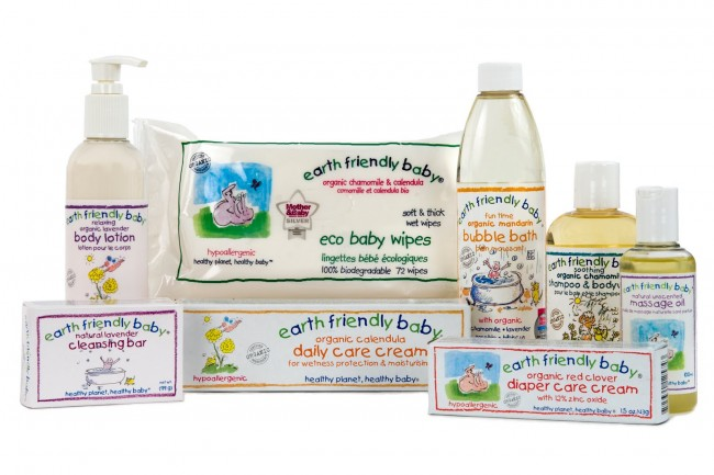 7b910062ece Στη σημερινή εποχή, ο γονείς θέλουν μόνο τα ασφαλέστερα, αγνότερα προϊόντα  για να φροντίζουν το δερματάκι των μωρών τους. Τα βρεφικά καλλυντικά Earth  ...