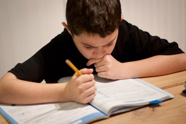 """""""Με κουράζει τόσο πολύ""""! Διάσπαση προσοχής και 15 οδηγίες για δασκάλους"""