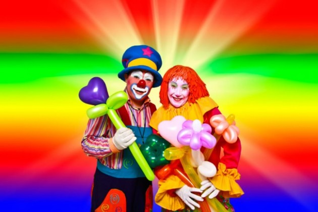 Clown_with_balloons_b
