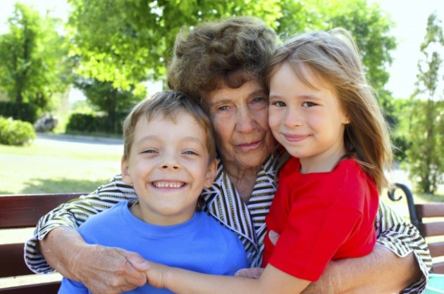 grandma-two-kids-5
