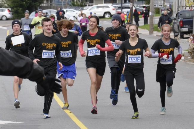 CFPEI-Teens-Running-In