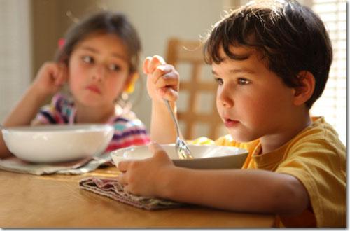 kids-eating-soup1