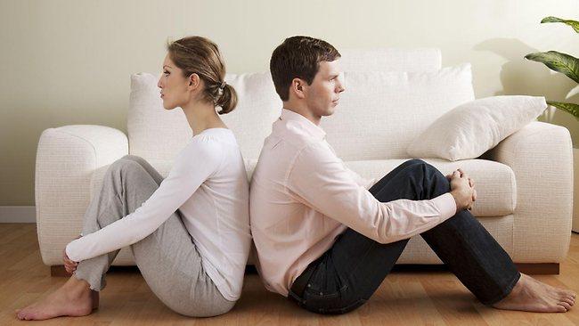 530242-couple-crisis-financial-infidelity