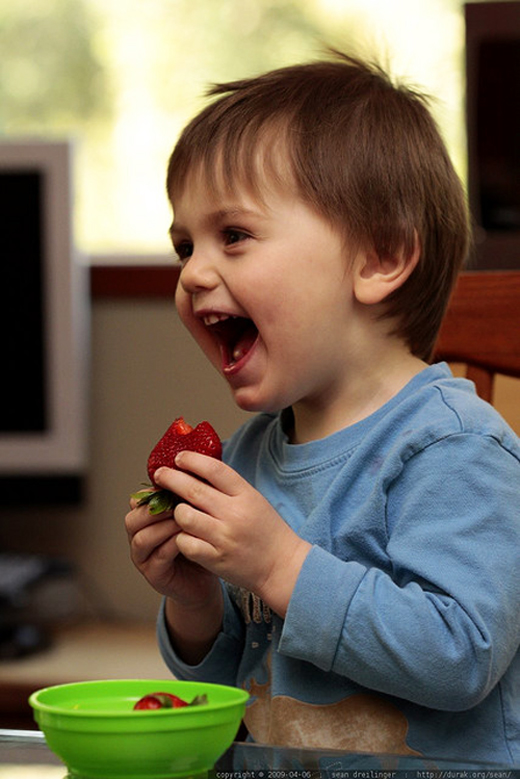 Baby-Boy-Smile-Eating-Strawberries