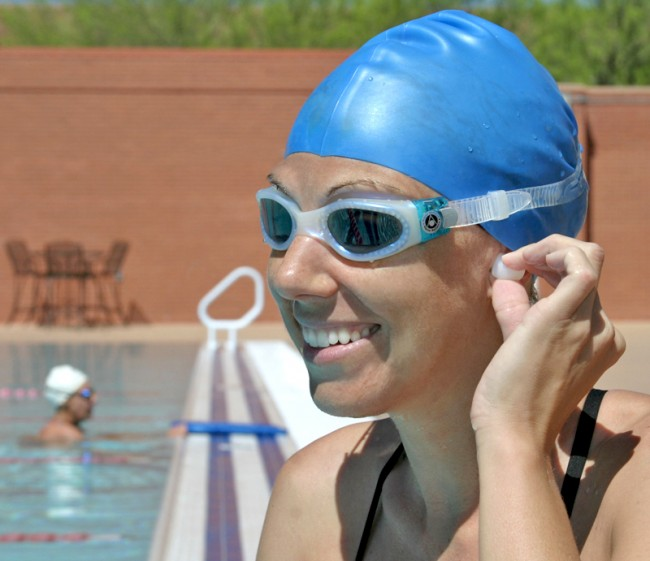 Ear-Protection-while-swimming