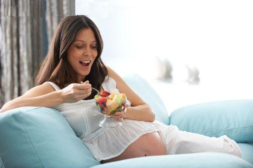 Εγκυμοσύνη το καλοκαίρι – Συμβουλές ομορφίας & διατροφής