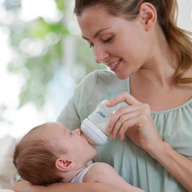 Πώς θα προετοιμάσω σωστά το μπιμπερό με μητρικό ή βρεφικό γάλα;