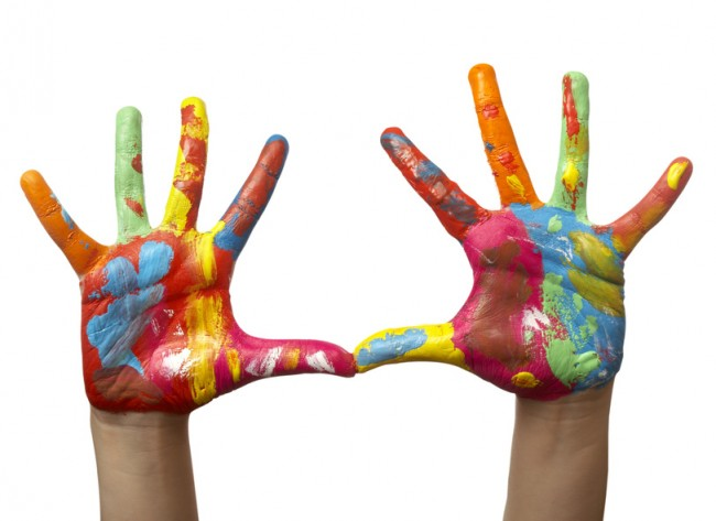 painted_child_hand