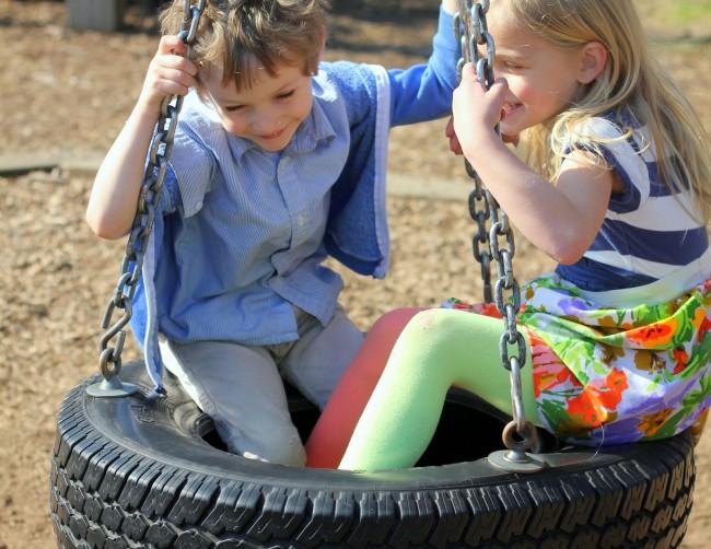 Φτιάξτε μια παιδική χαρά στον κήπο σας!