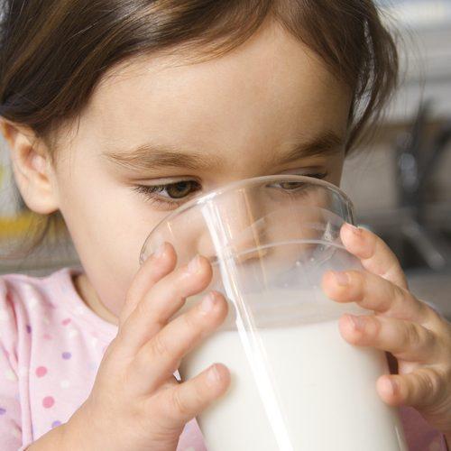 child-drinking-milk