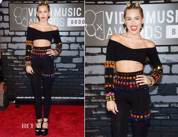 Miley-Cyrus-In-Dolce-Gabbana-2013-MTV-Video-Music-Awards-VMAs