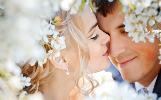 People_Different_people_Newly-Married_Couple_027371_