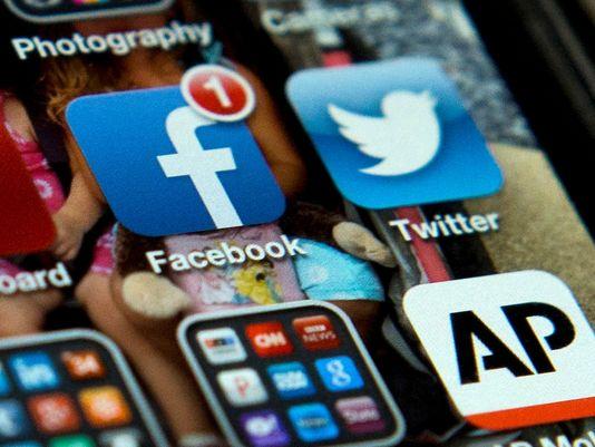 1369508003000-AP-Social-Media-Teens-1305251455_4_3