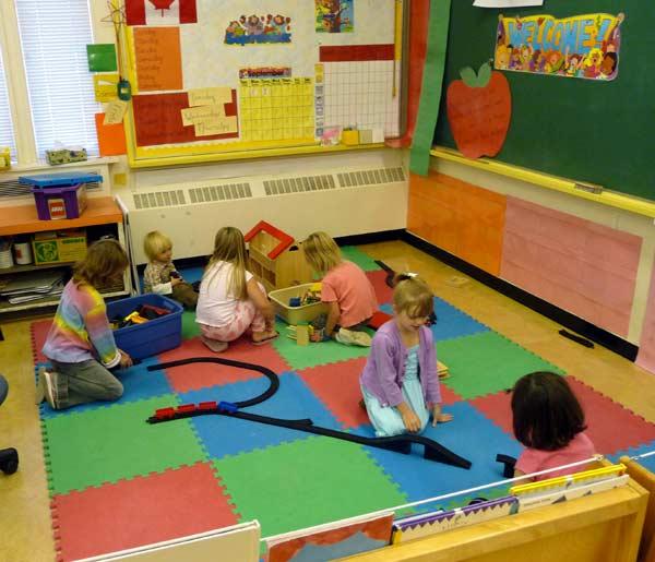 Kindergarten-mats-play