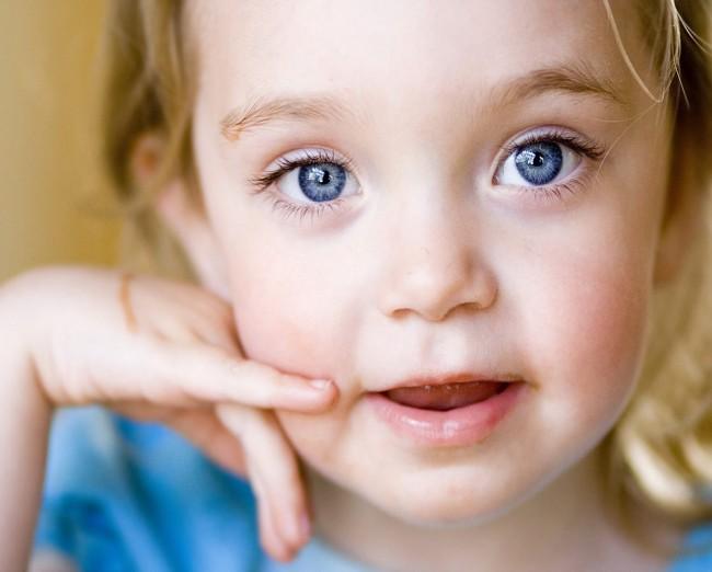 blue-eyes-wallpaper