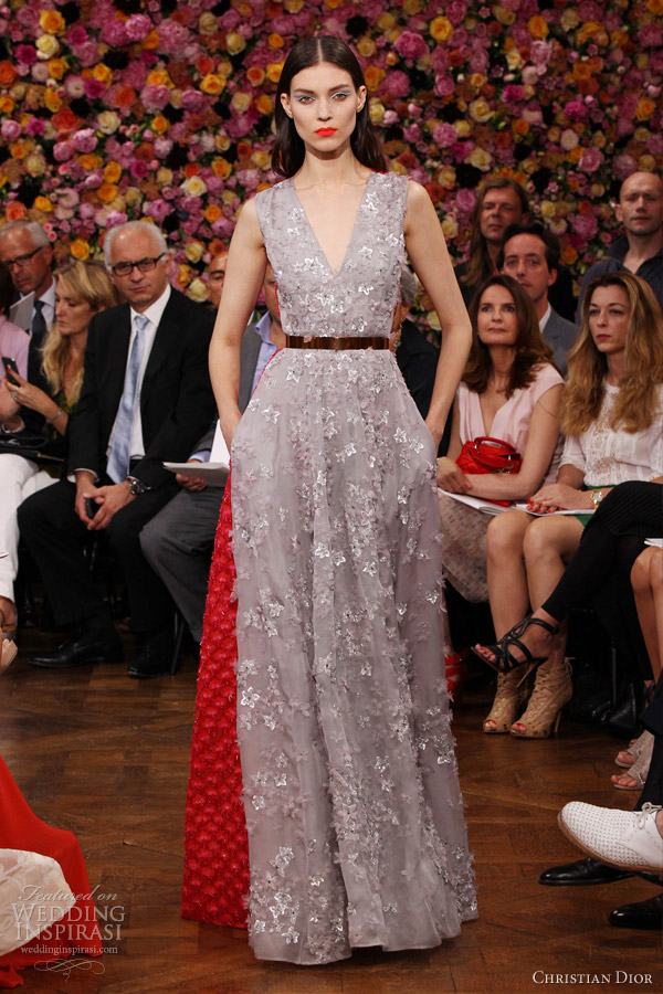 christian-dior-fall-winter-2012-2013-couture-grey-red-sleeveless-dress