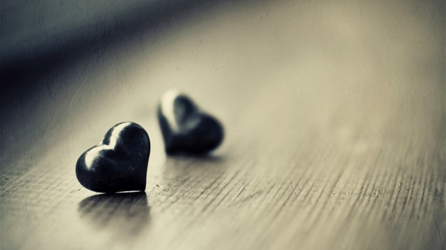 couple-love-stone-wallpaper