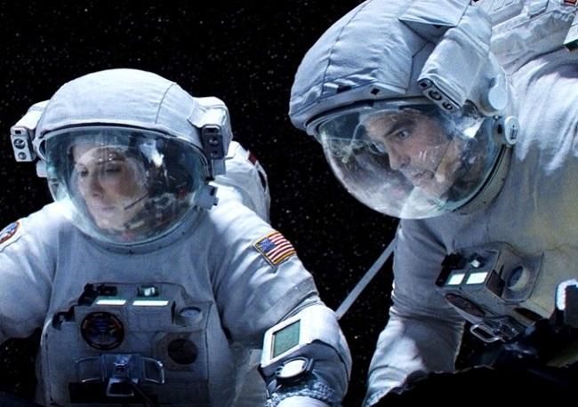 gravity-george-clooney-sandra-bullock-10